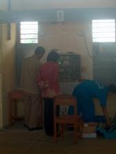 Pengujian Rangkaian Oleh Bapak Faisal dari KAI dan Dosen UNILA