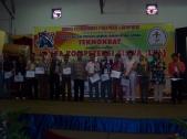 Pembagian Piala LKS Tingkat Propinsi